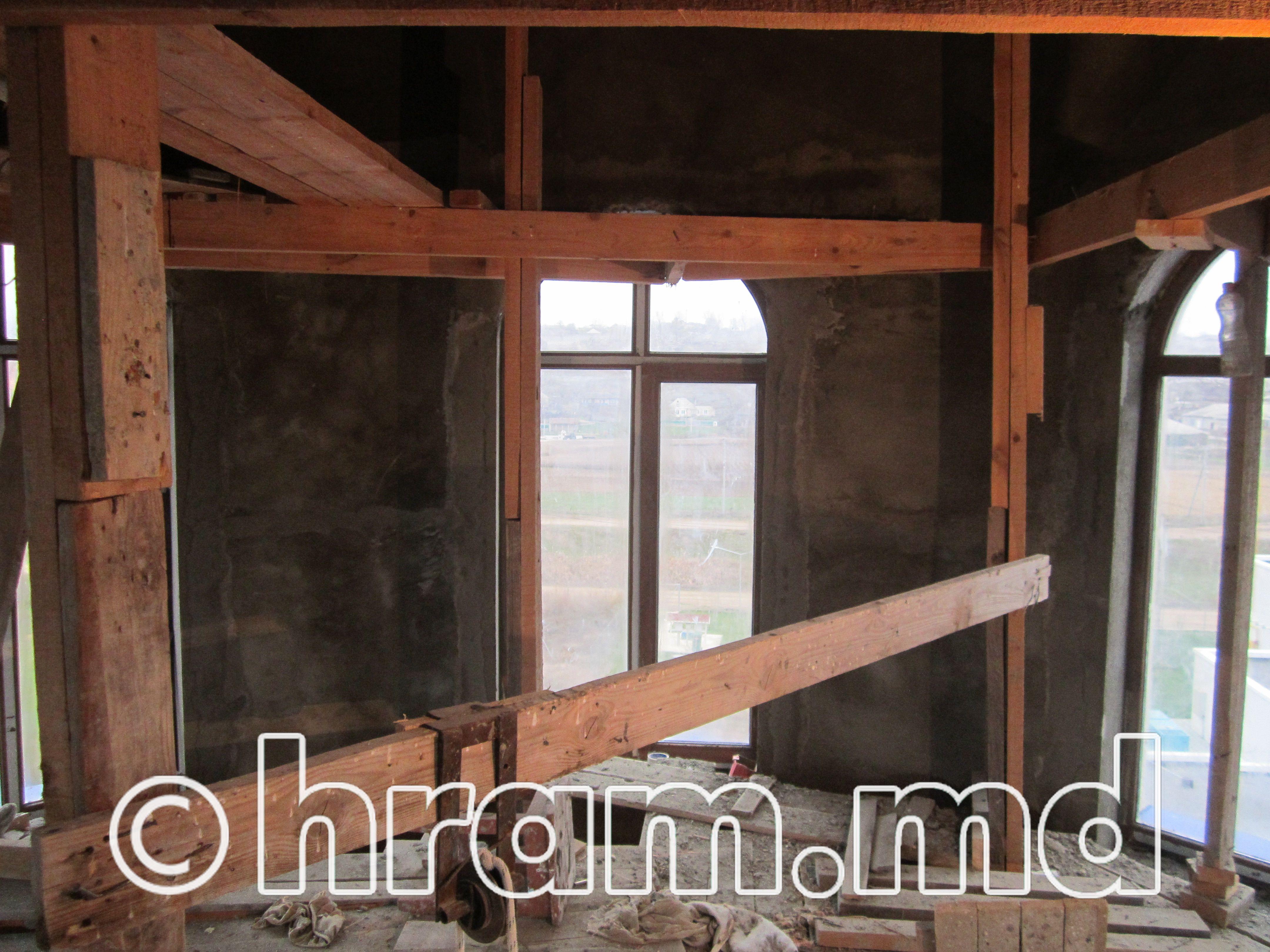В строящемся храме села Чишмикиой ведутся внутренние работы