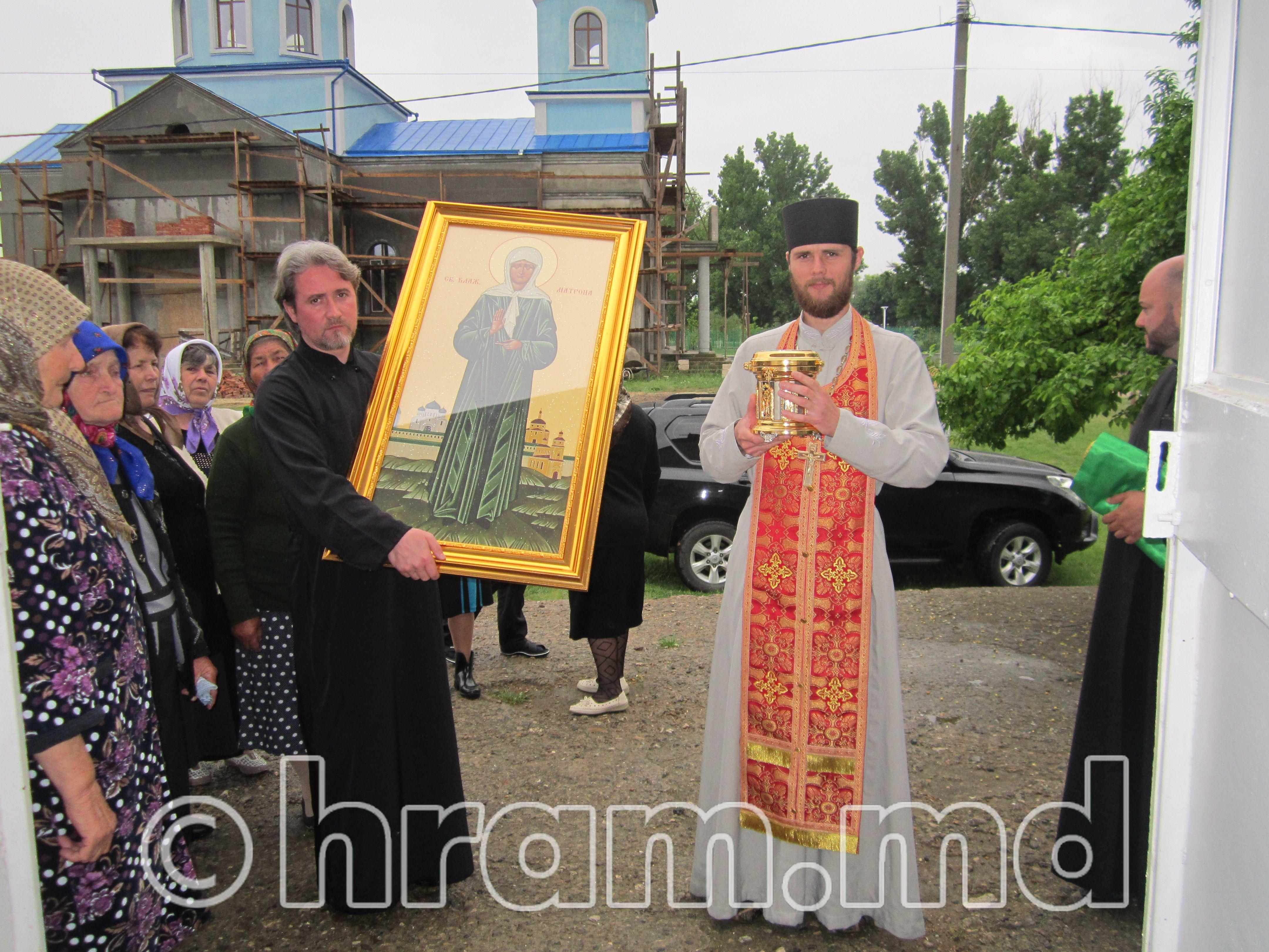 Мощи святой блаженной Матроны Московской доставлены в храм села Чишмикиой