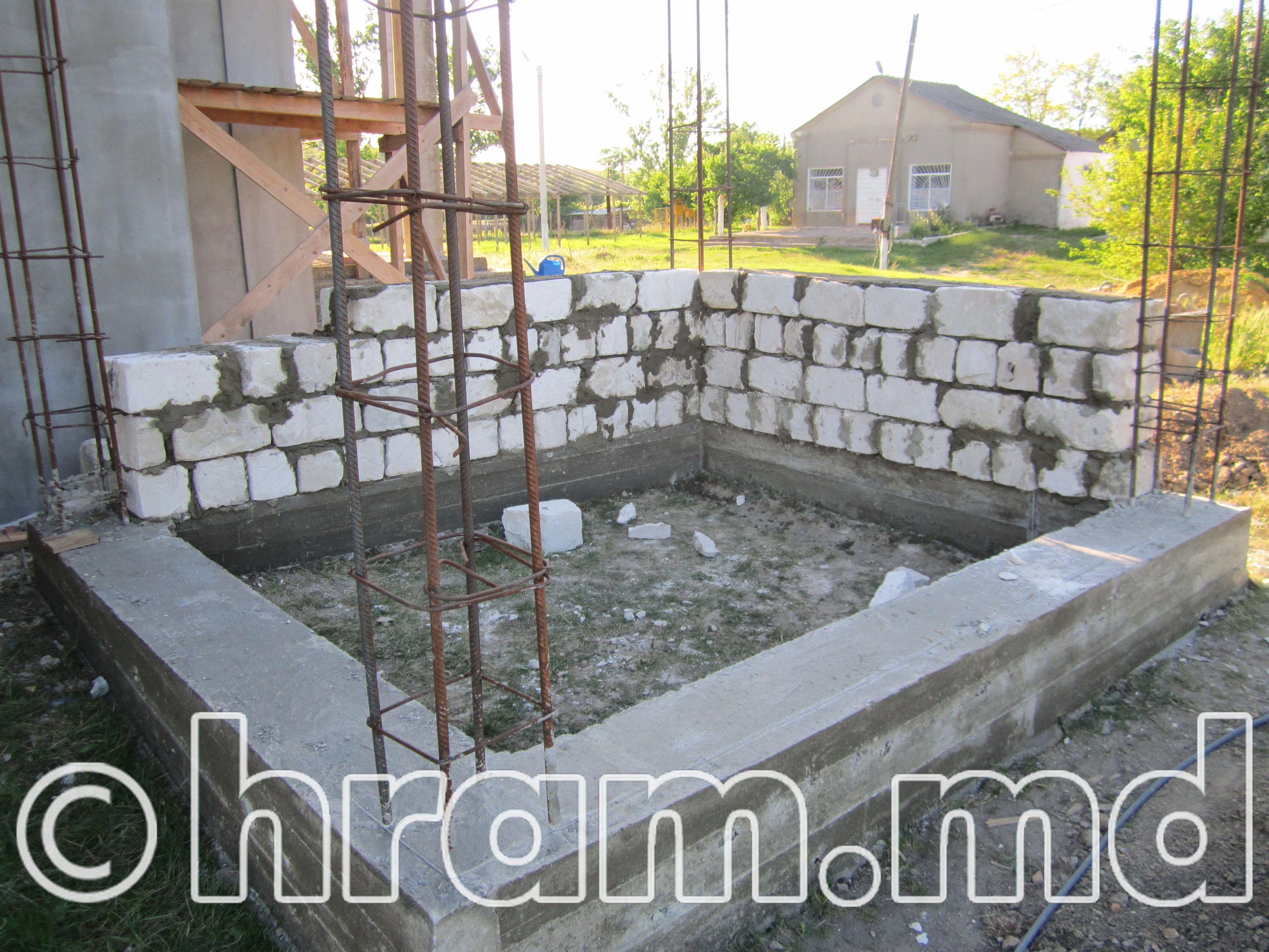 В храме Чишмикиой идёт строительство котельной