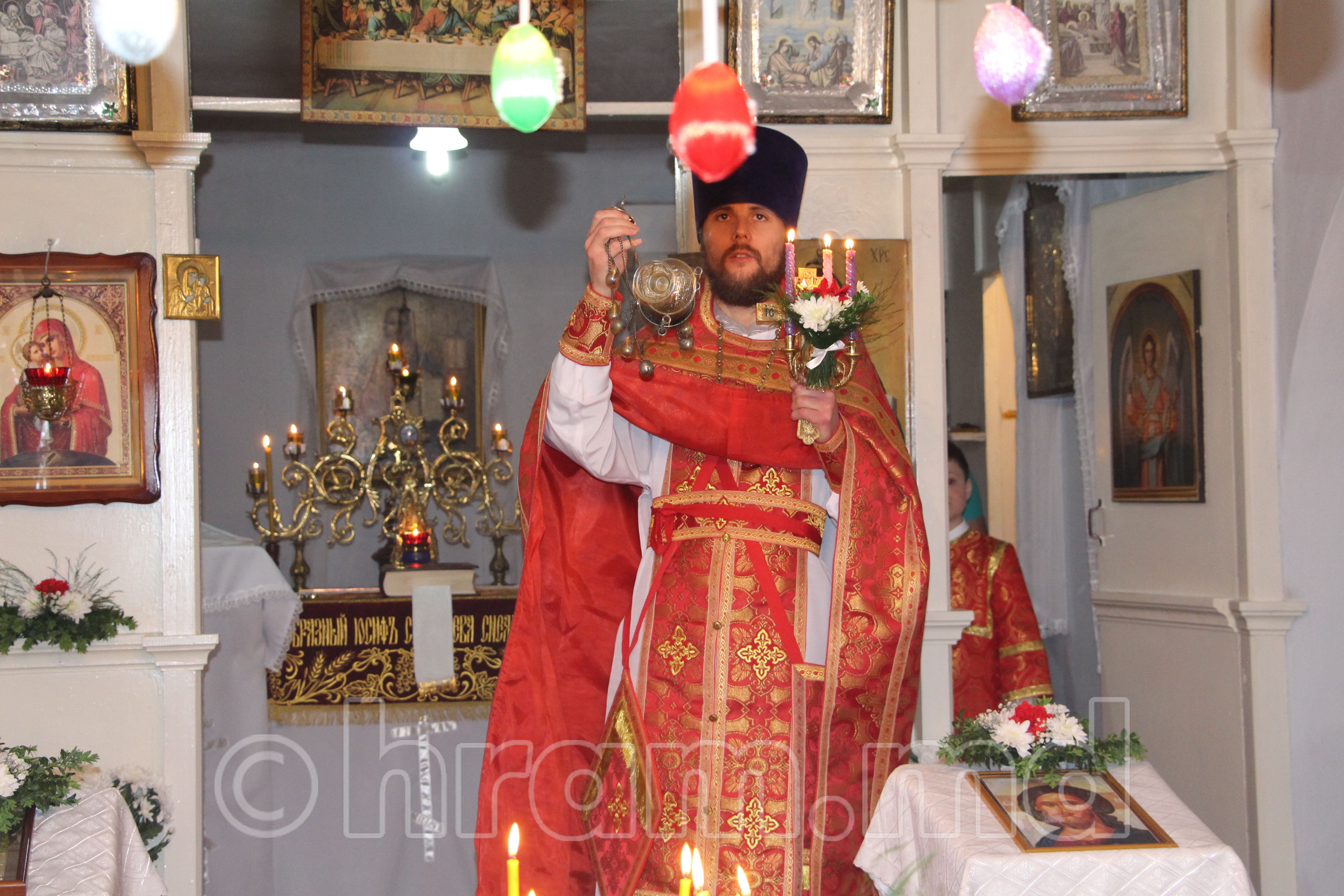 Пасхальное богослужение в храме села Чишмикиой